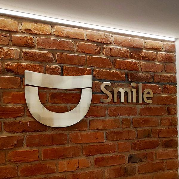 D Smile vidaus iškaba 3D